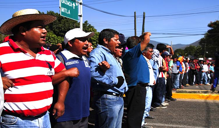EZLN dice que los de arriba estan perdiendo la guerra mediatica