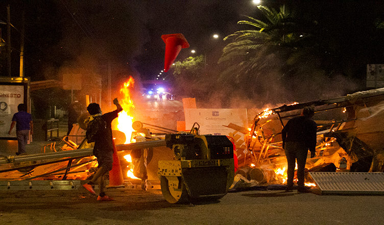 Oaxaca arde de nuevo, se levantan barricadas en el centro histórico