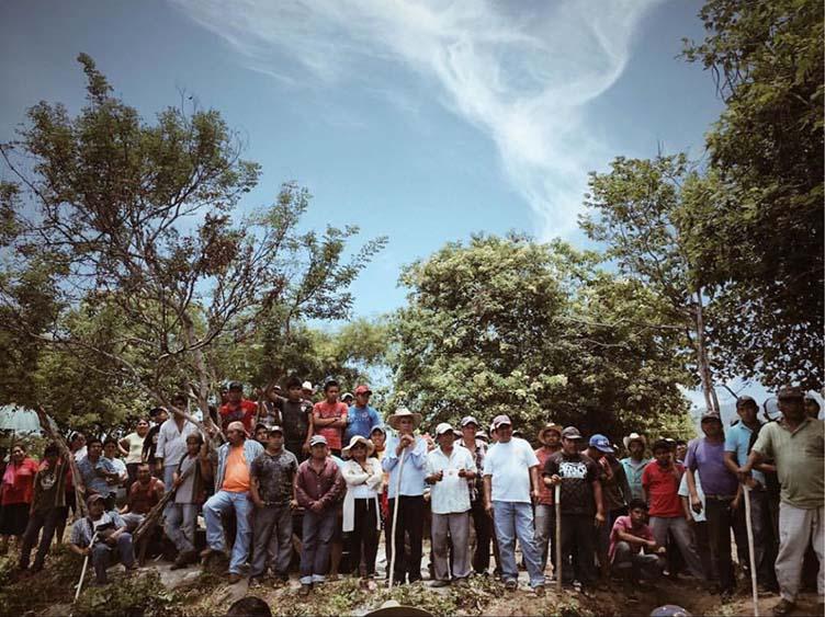 Templarios se reagrupan en Michoacán; comunidad de Ostula reactiva retén carretero