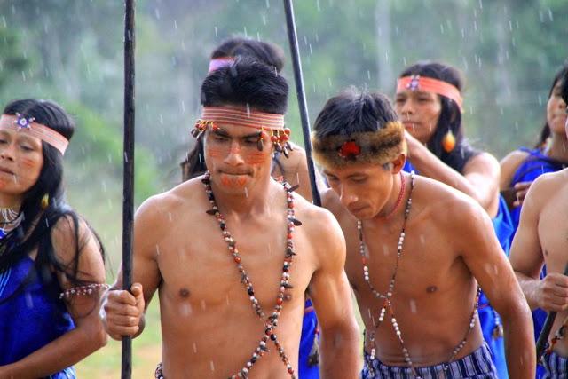 Batalla en la Amazonia: Rafael Correa reprime a la etnia Shuar para avanzar con un proyecto minero chino