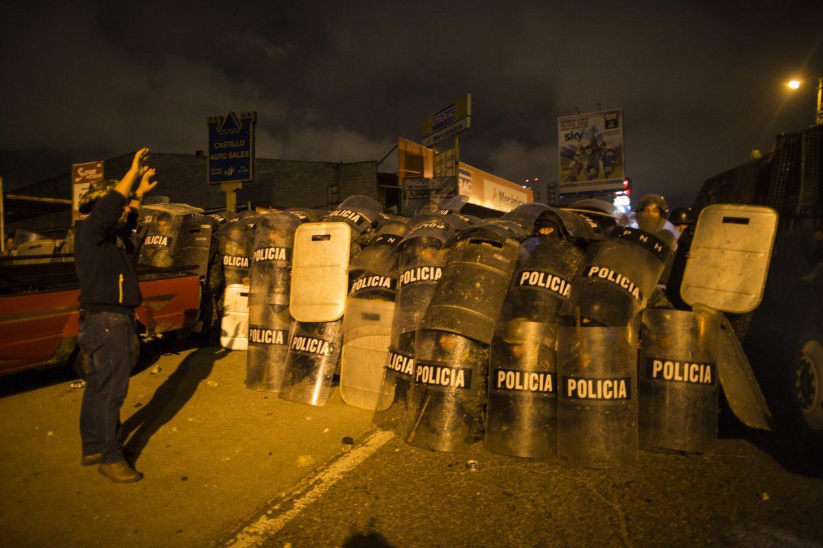 Honduras: Miles protestan contra fraude electoral