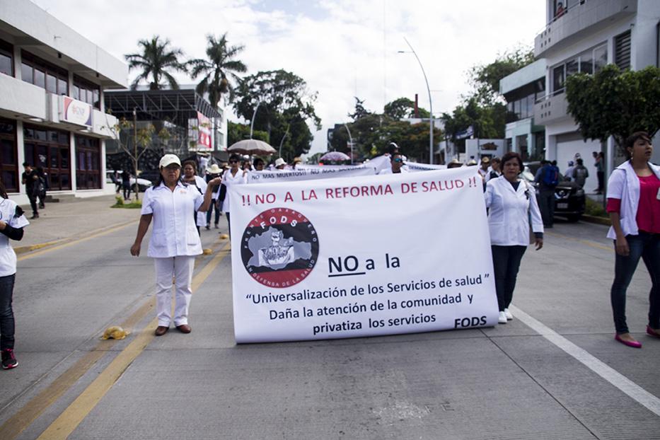 Trabajadores denuncian caos en el servicio de salud de Oaxaca