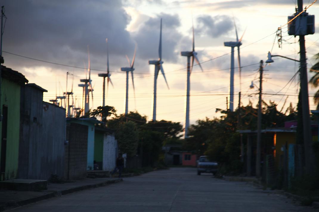 Comunidad zapoteca presenta queja contra estatal francesa en la OCDE