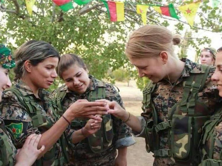 Turquía mata una feminista británica Voluntaria de la milicia YPJ en Efrîn