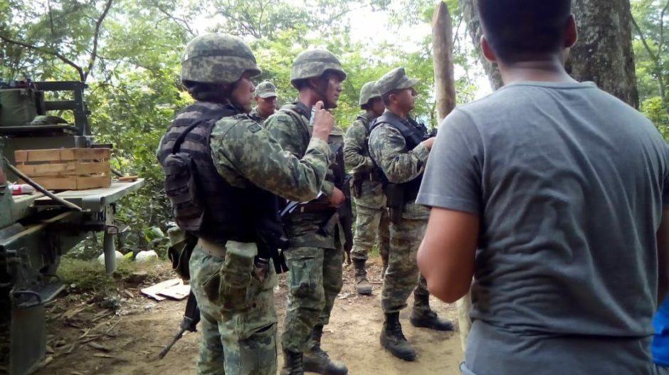 """México: Indígenas de Oaxaca dicen, """"nosotros, lo único que hemos puesto, son los muertos"""""""