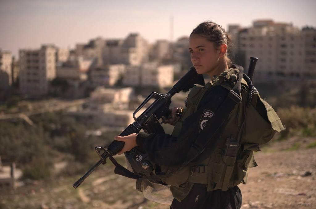 No, tú no puedes ser sionista y feminista