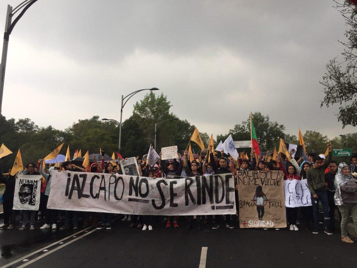 México, 50 años después miles de estudiantes salen a las calles para rememorar la marcha del silencio
