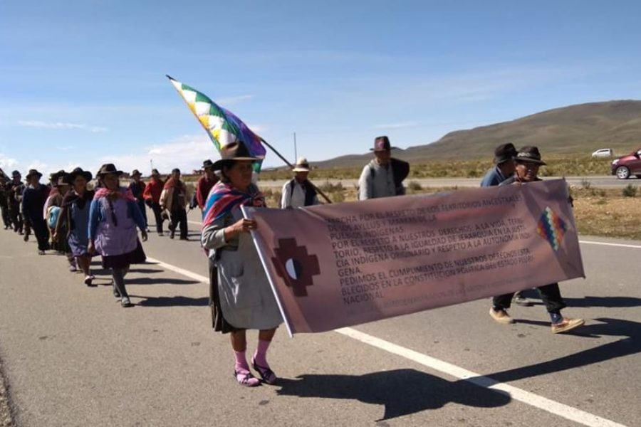 La gran marcha caminata de 28 días de los pueblos originarios de Bolivia