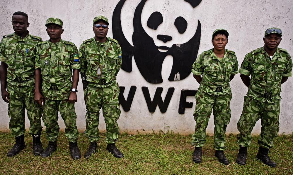 WWF es acusada de financiar y armar grupos paramilitares que torturan y asesinan personas