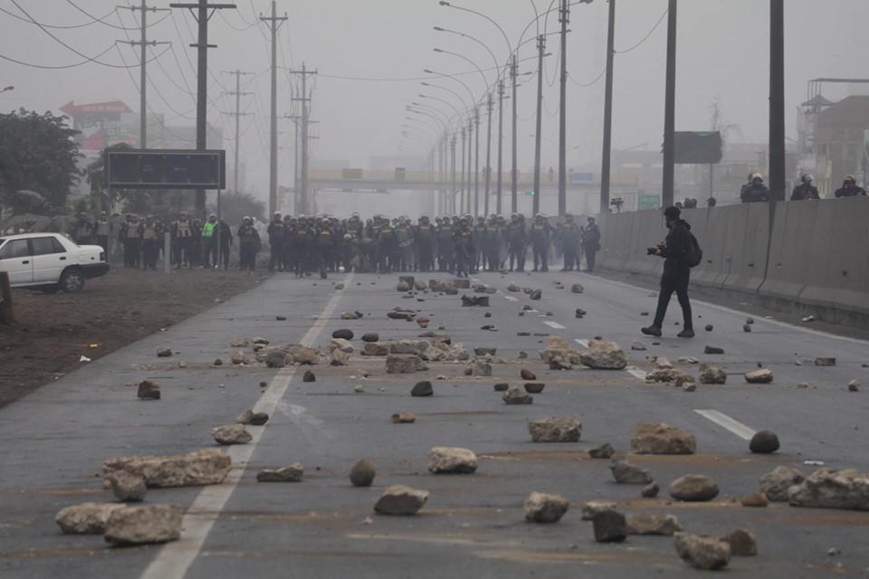 Trabajadores en Perú se van a paro nacional de labores