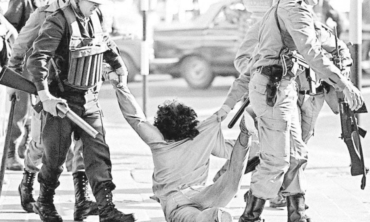 Condenan a cadena perpetua a 24 represores de la Operación Cóndor