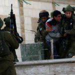 Israel arrestó en agosto a 450 palestinos, incluidos 69 niños