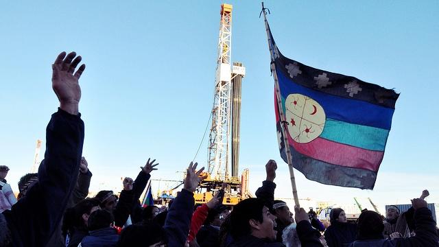 Argentina: Pueblo Mapuche denuncia desastre ambiental y militarización por fracking