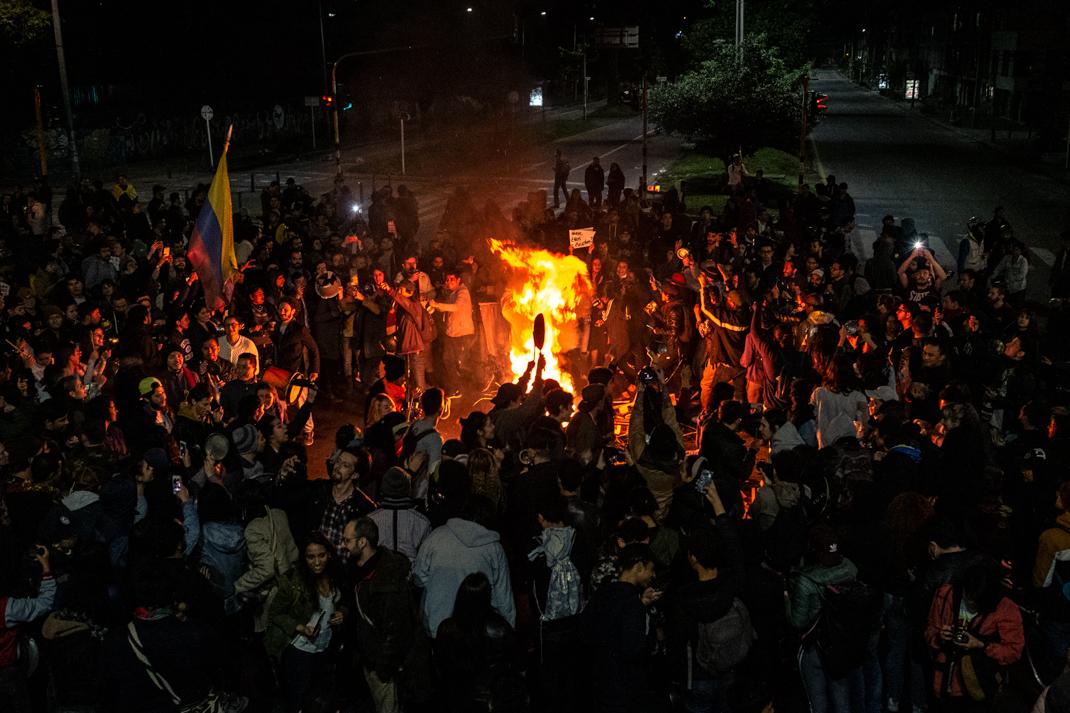 Seis días de paro nacional en Colombia:  Mariposas amarillas