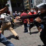 """Industria de """"armamento no letal"""", el negocio de la represión"""